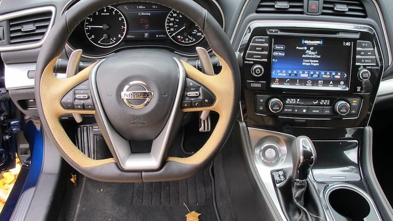 Nissan Mazima SR inter