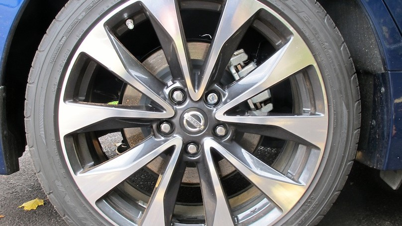 Nissan Mxima SR wheels