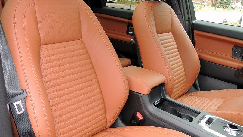 Land Rover Discovery Sport 2016 - front seats