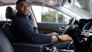"LEBRON JAMES TELLS ""THE TRUTH"" ABOUT DRIVING HIS KIA K900 LUXURY SEDAN"