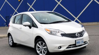 Nissan Versa Note SL 2016-main