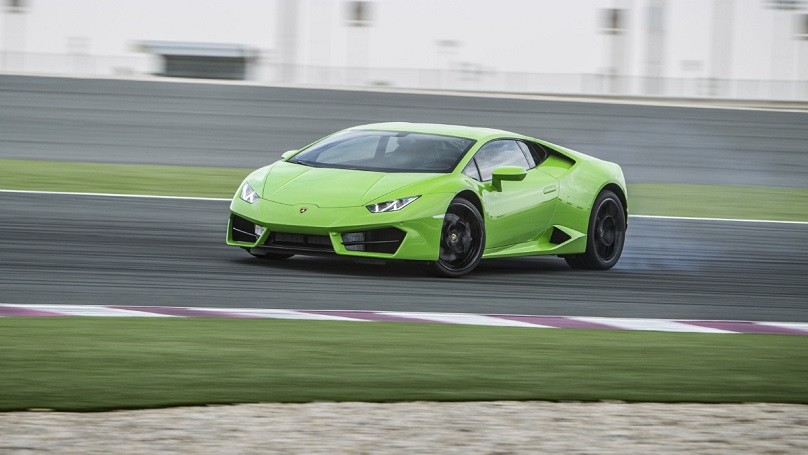 Kenzie Wheels - Lamborghini Huracan LP 580-2 gets a bit sideways