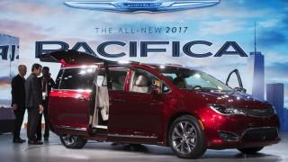 Detroit Auto Show 2016 pacifica