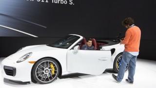 Detroit Auto Show 2016 Porsche 911