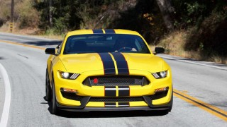 Shelby Mustang driving school