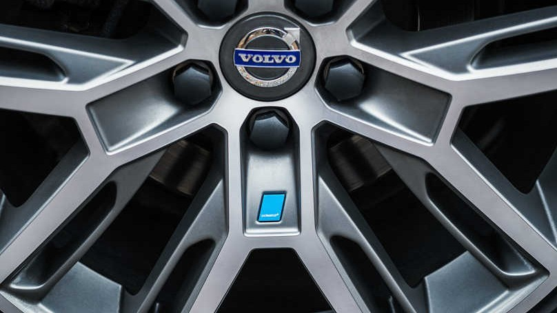 the new photos with reveals select performance news wheel attachment cars for polestar parts volvo