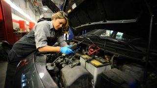 cmcc-ci-female auto mechanics