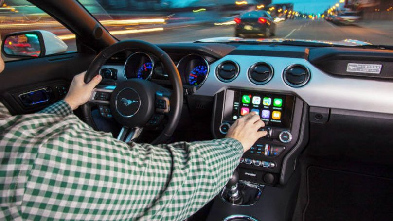 Ford ups Apple Android