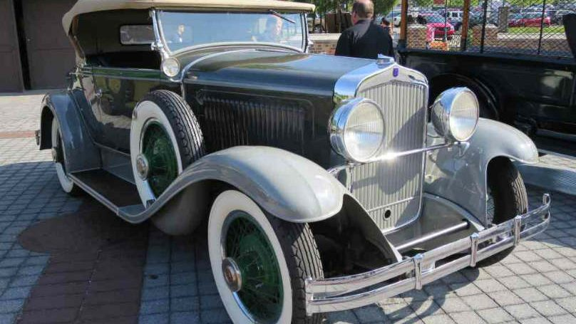 FOUR-1928-Chrysler