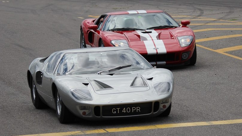 1966 Ford GT40 and 2006 Ford GT