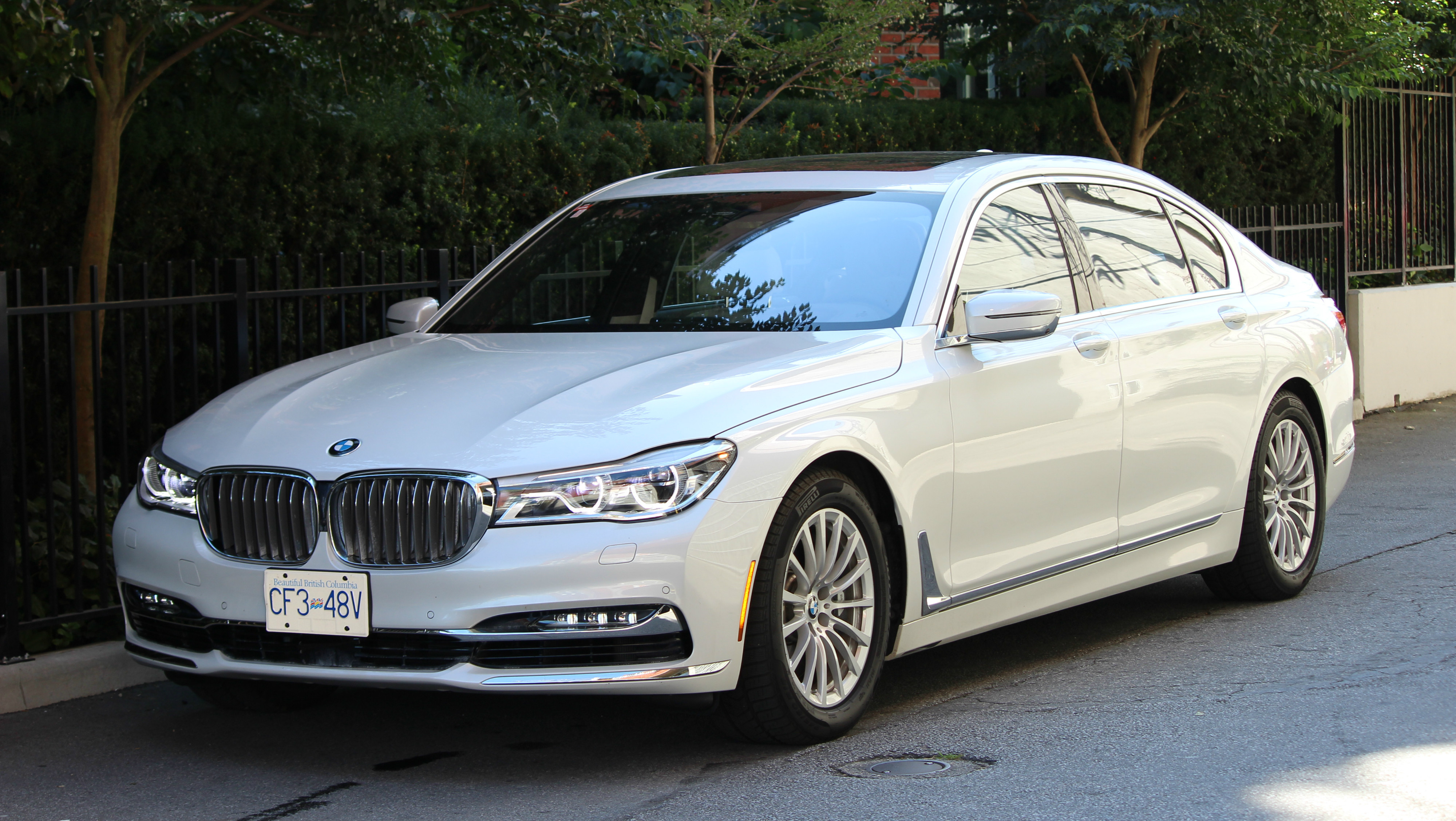 Top 10 Features And Tech On The 2016 BMW 750Li WHEELSca