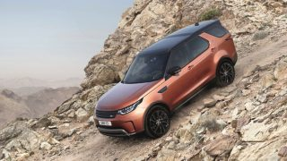 2017 Land Rover Discovery debuts at Paris Motor Show