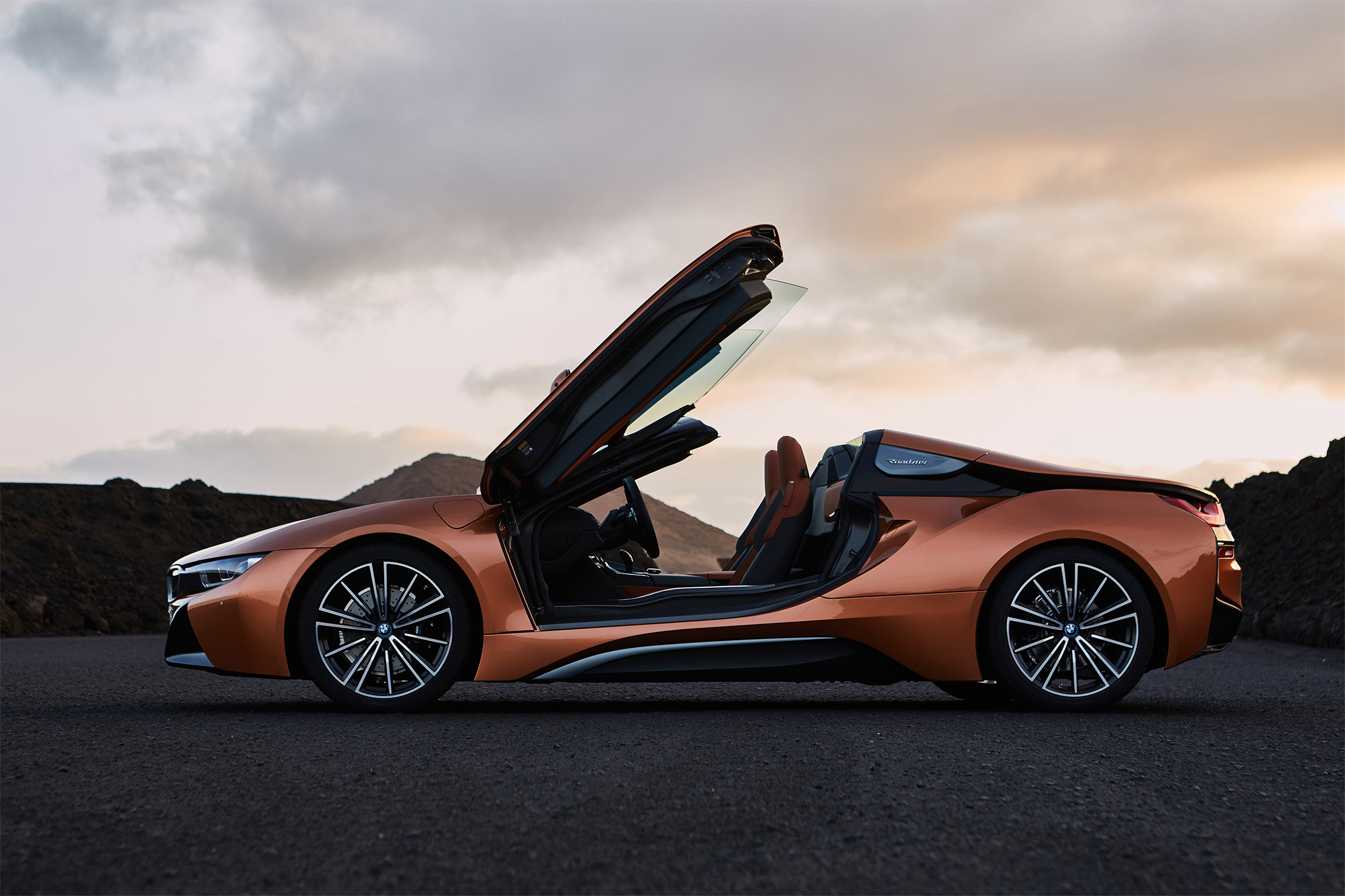 TrackWorthy -2019 BMW i8 Roadster (10)