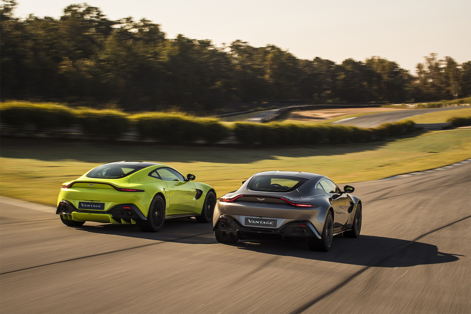 TrackWorthy - Aston Martin Vantage_Tungsten Silver_Lime Essence_04