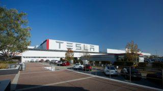Tesla_fremont_factory_2