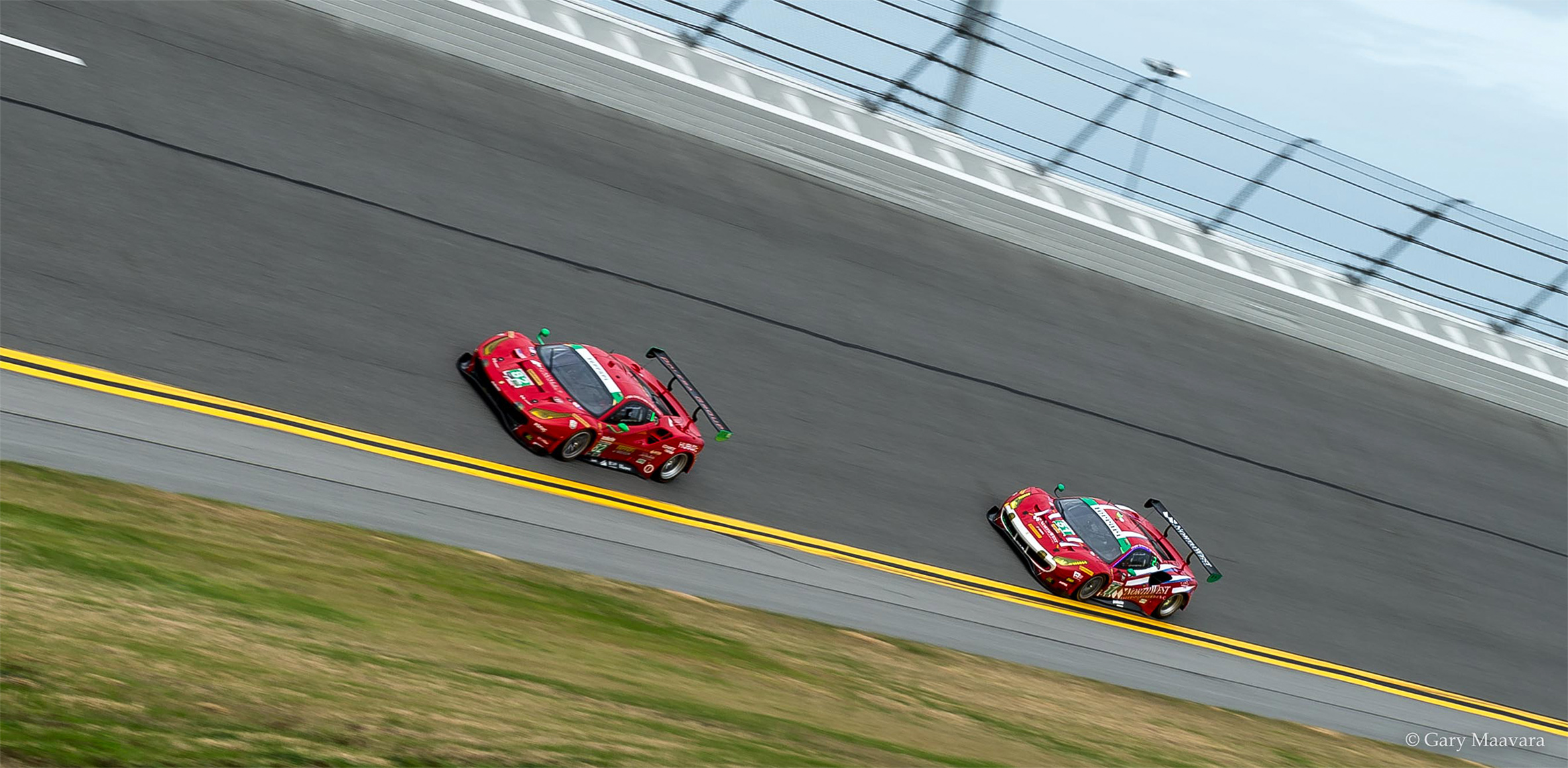 Rolex 24_race_#51 Spirit of Racing Ferrari chases # 82 Risi Competizione Ferrari_Turn 4
