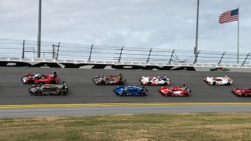 Rolex 24_parade lap leaders