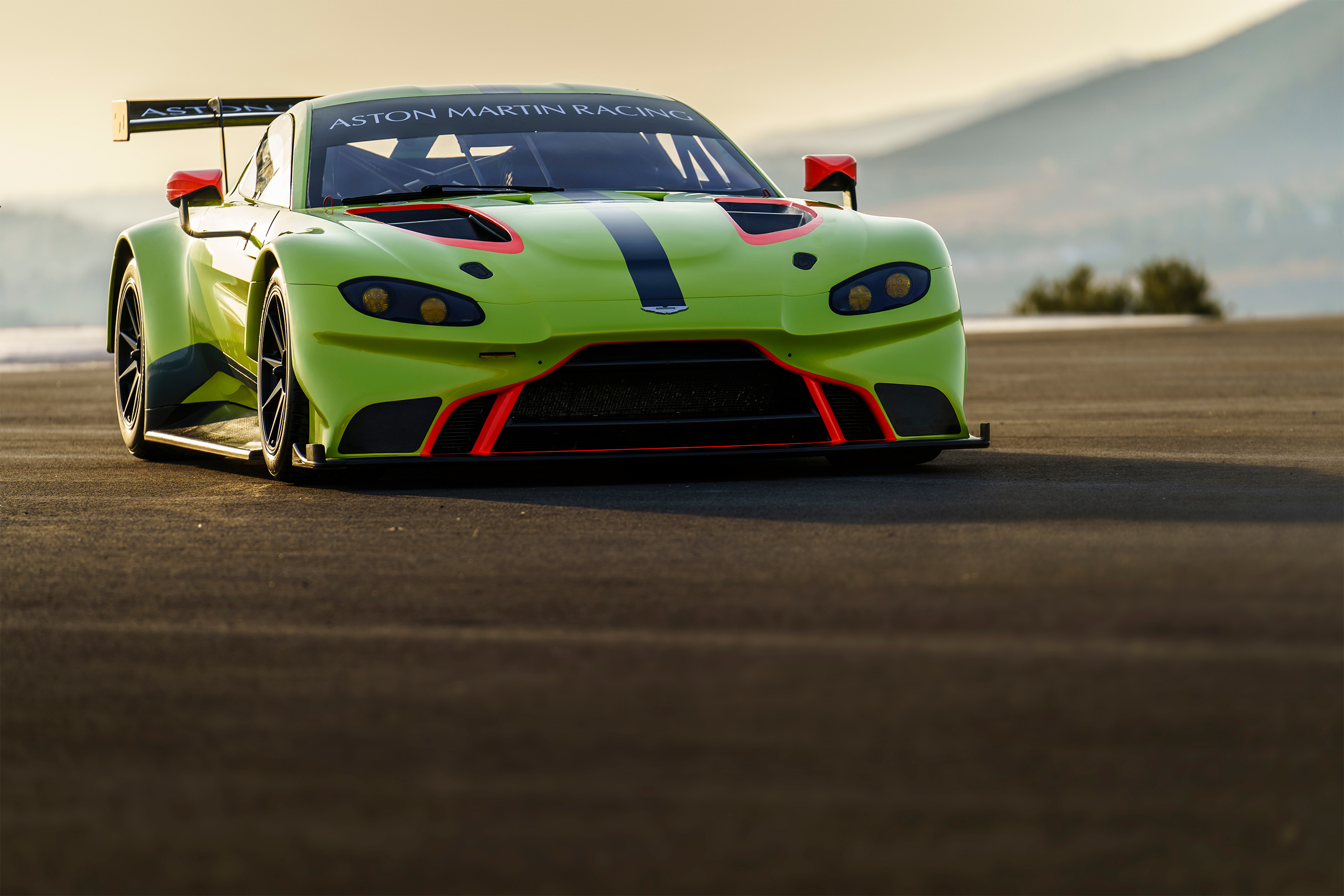 TrackWorthy - Aston Martin Racing 2018 Vantage GTE (2)