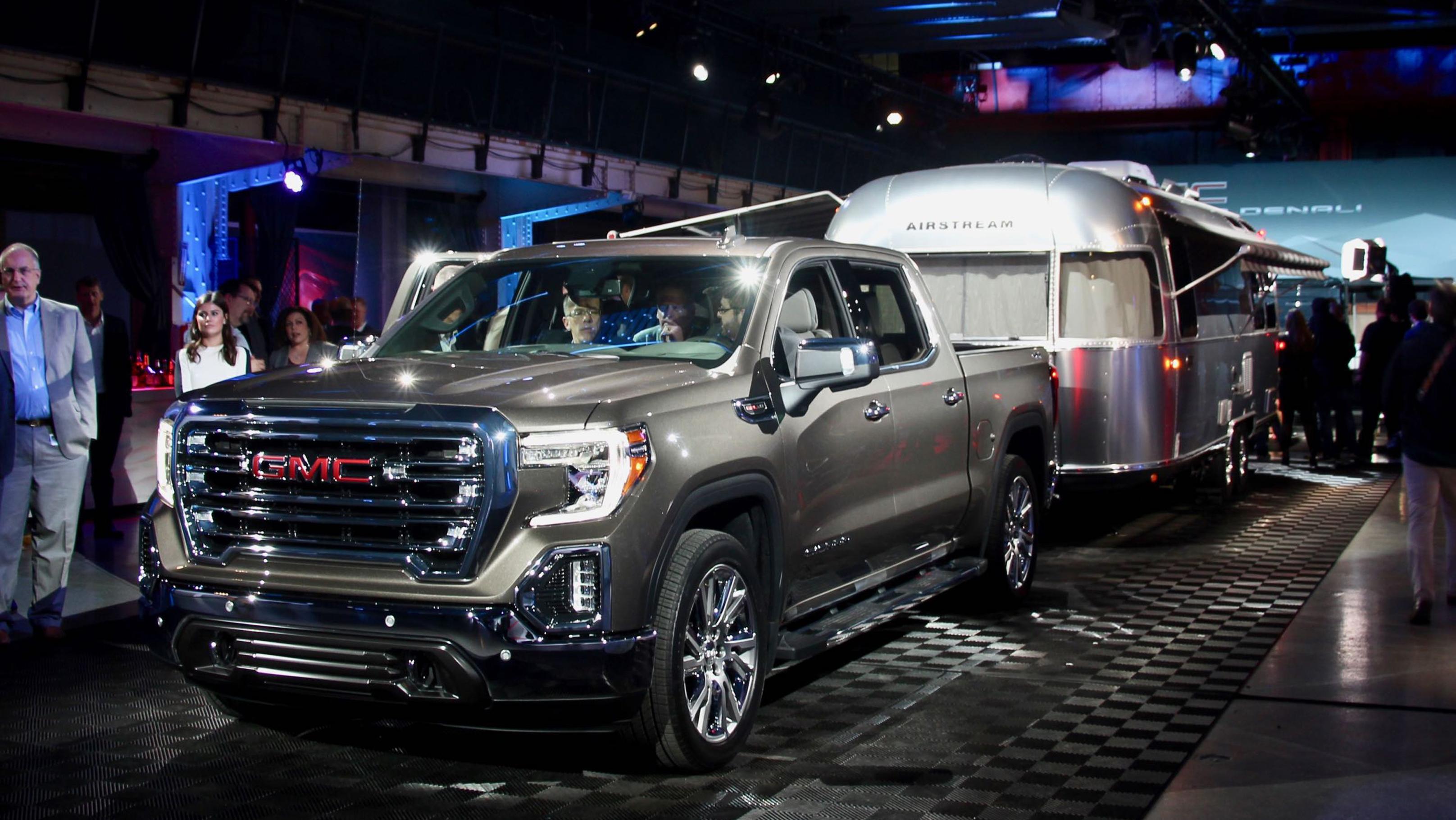 2019 GMC Sierra reveal