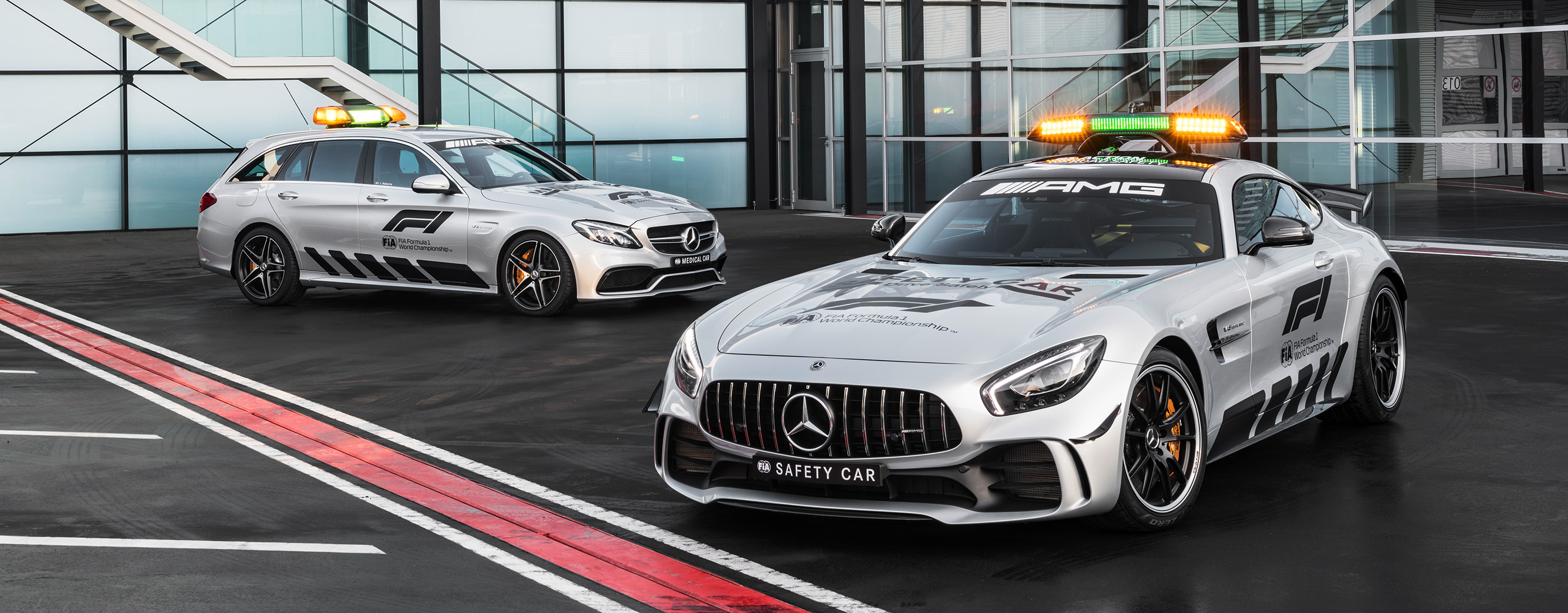 TrackWorthy - 2018 Mercedes-AMG GT R Formula 1 Safety Car and Medical Car (3)