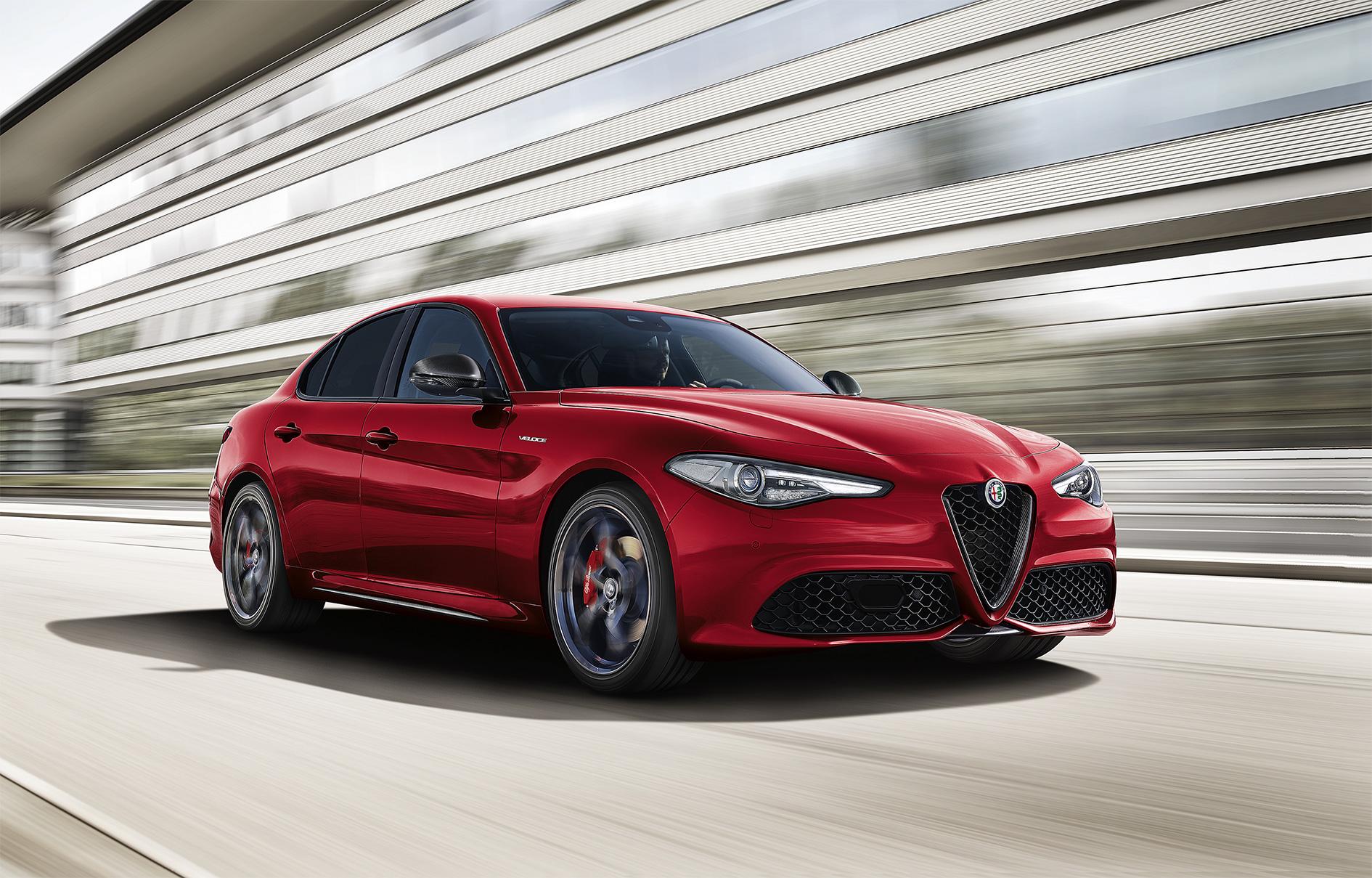 TrackWorthy - Alfa Romeo GIULIA 34front VELOCE TI red