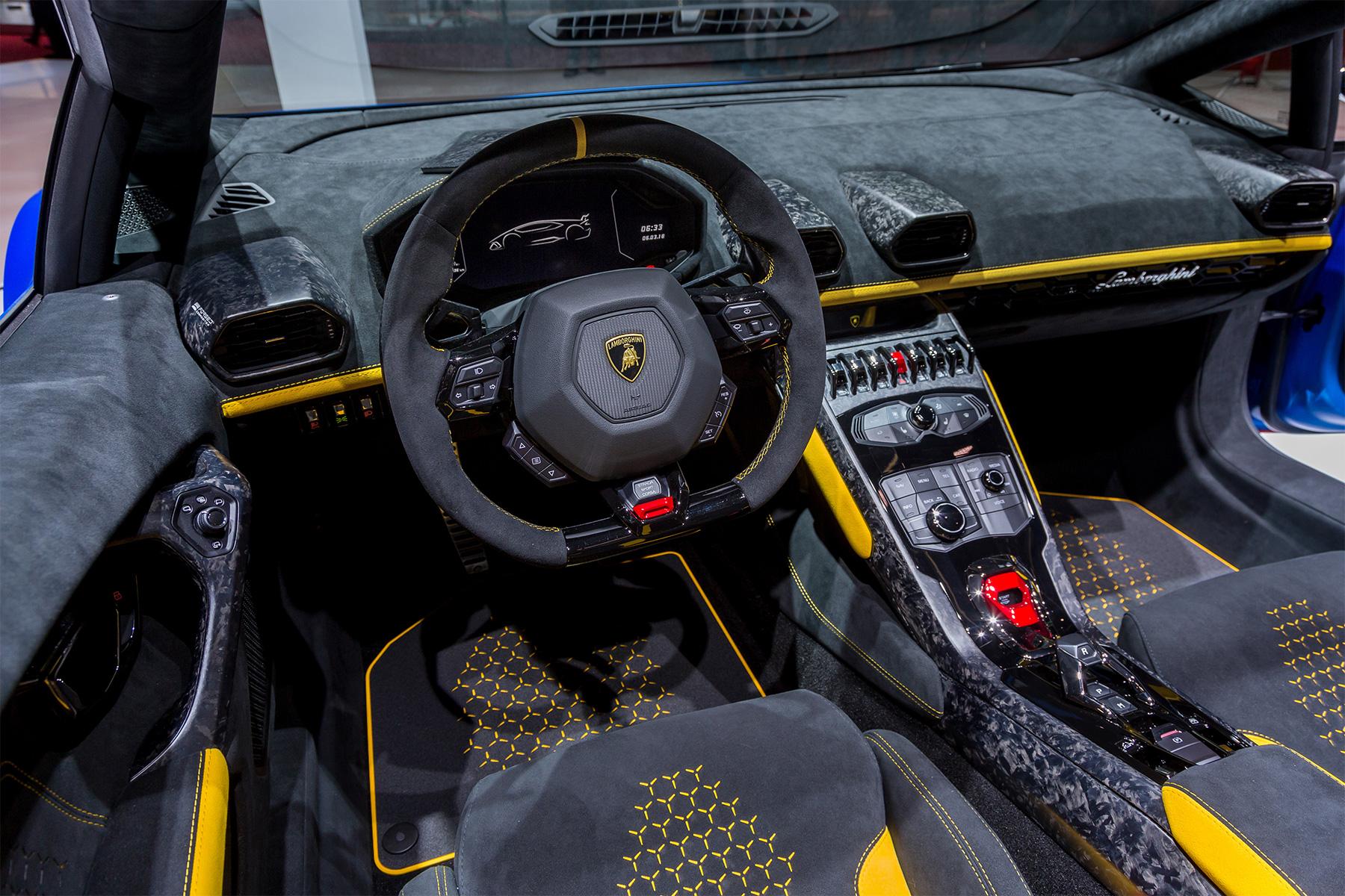 TrackWorthy - Lamborghini Huracan Performante Spyder 10