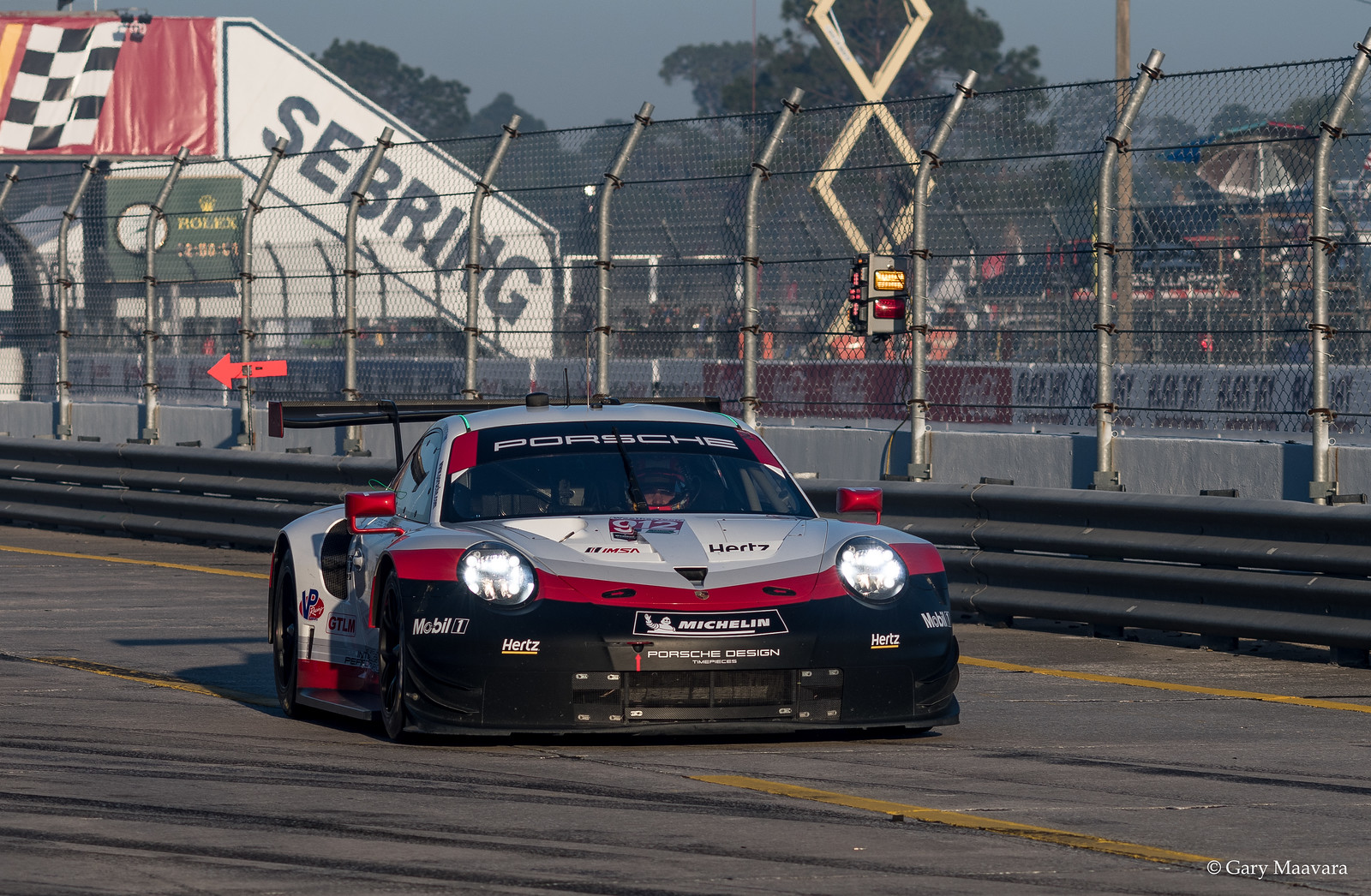TrackWorthy - Weathertech morning warmup No. 912 Porsche 911 pits