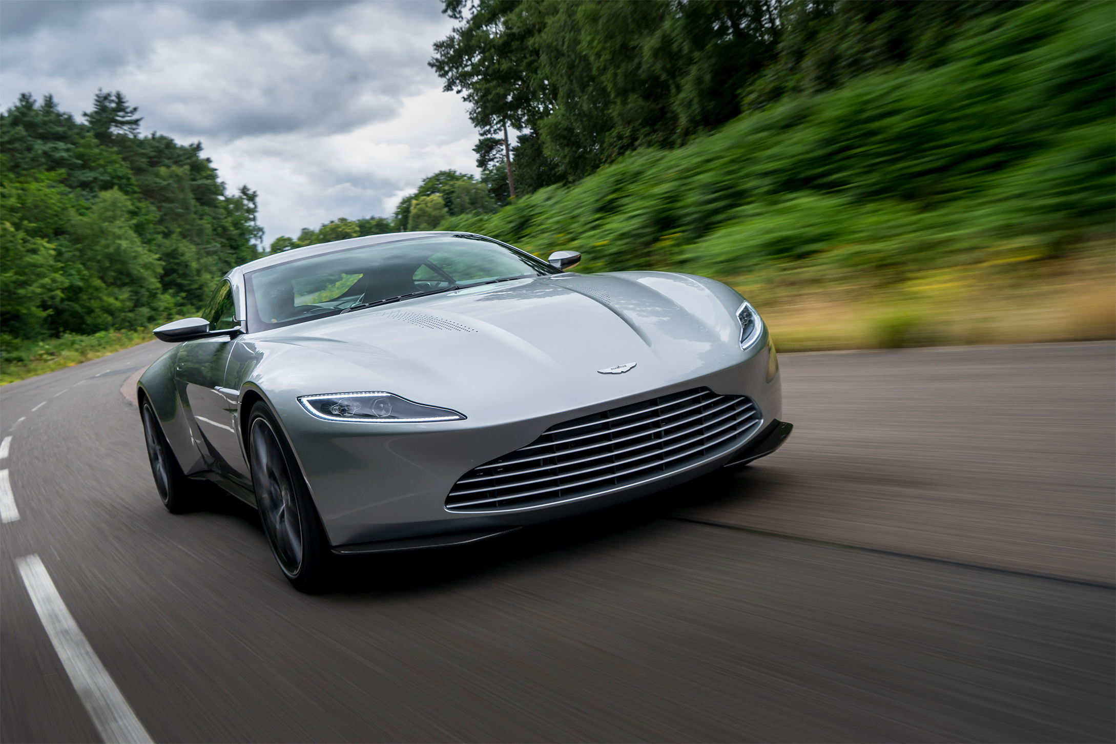 TrackWorthy - Aston Martin DB10 (1)