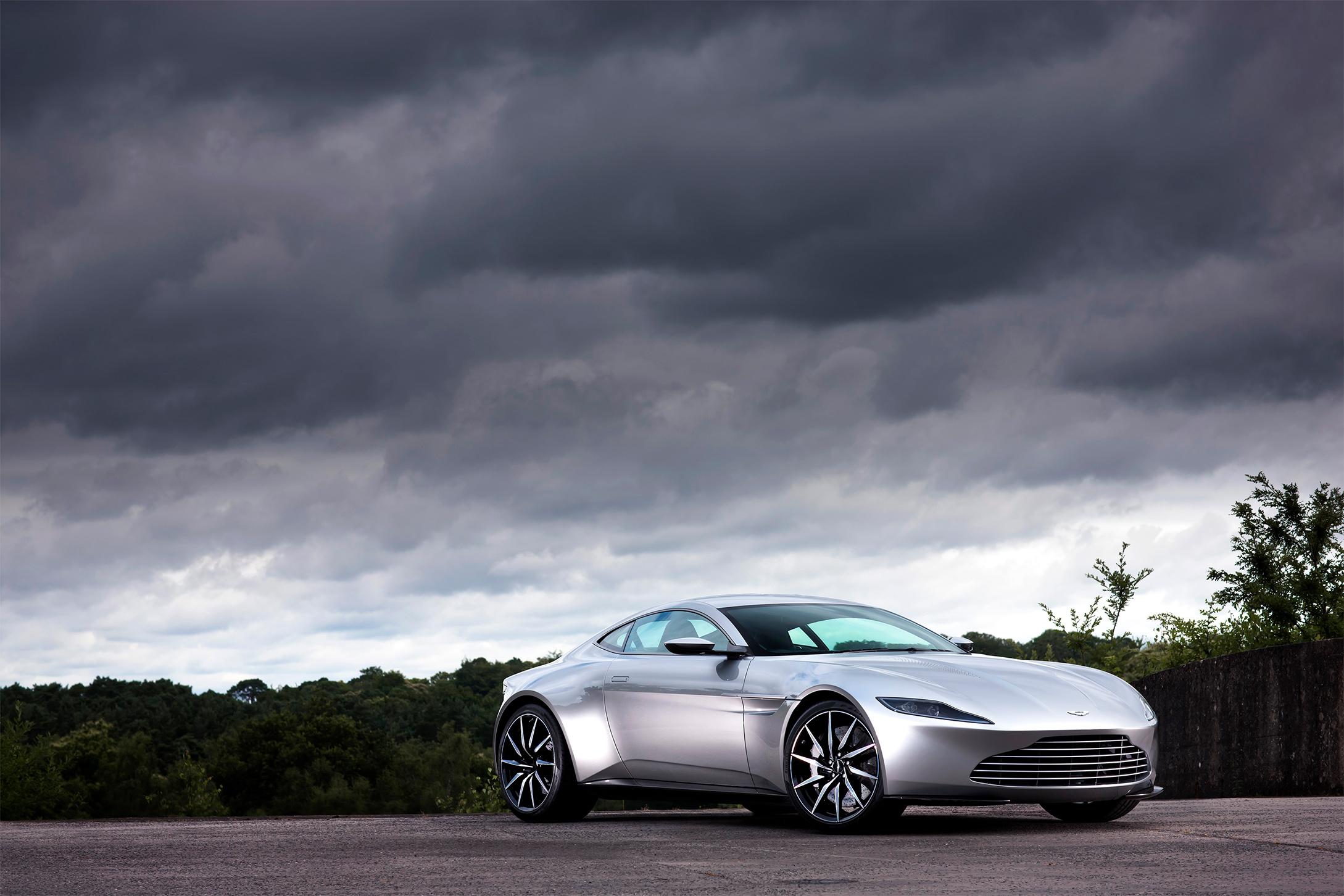 TrackWorthy - Aston Martin DB10
