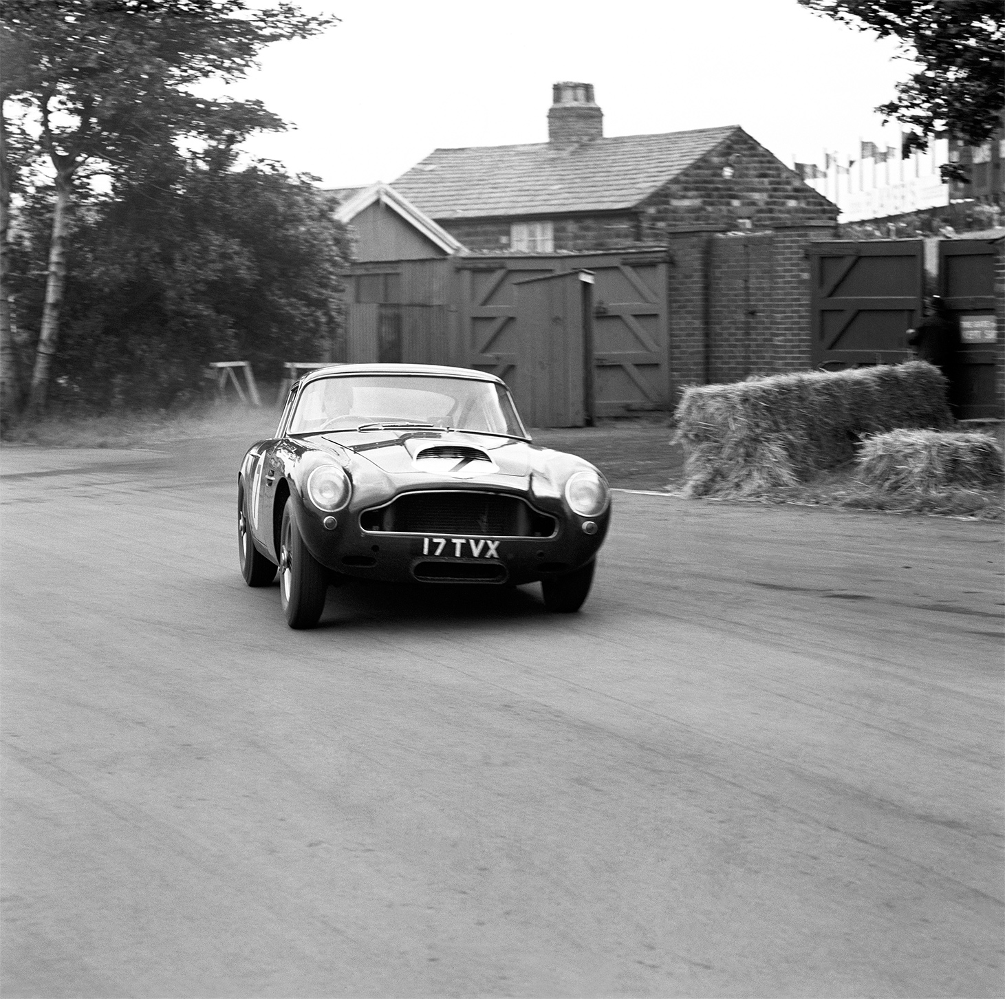 TrackWorthy - Aston Martin DB4 GT