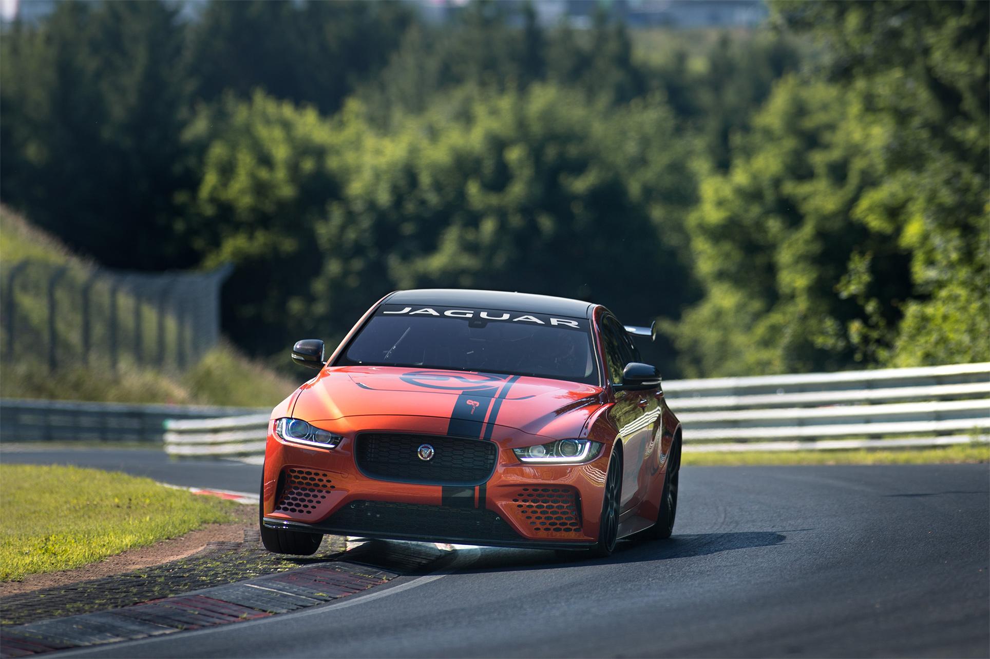 TrackWorthy - Jaguar XE SV Project 8 (1)
