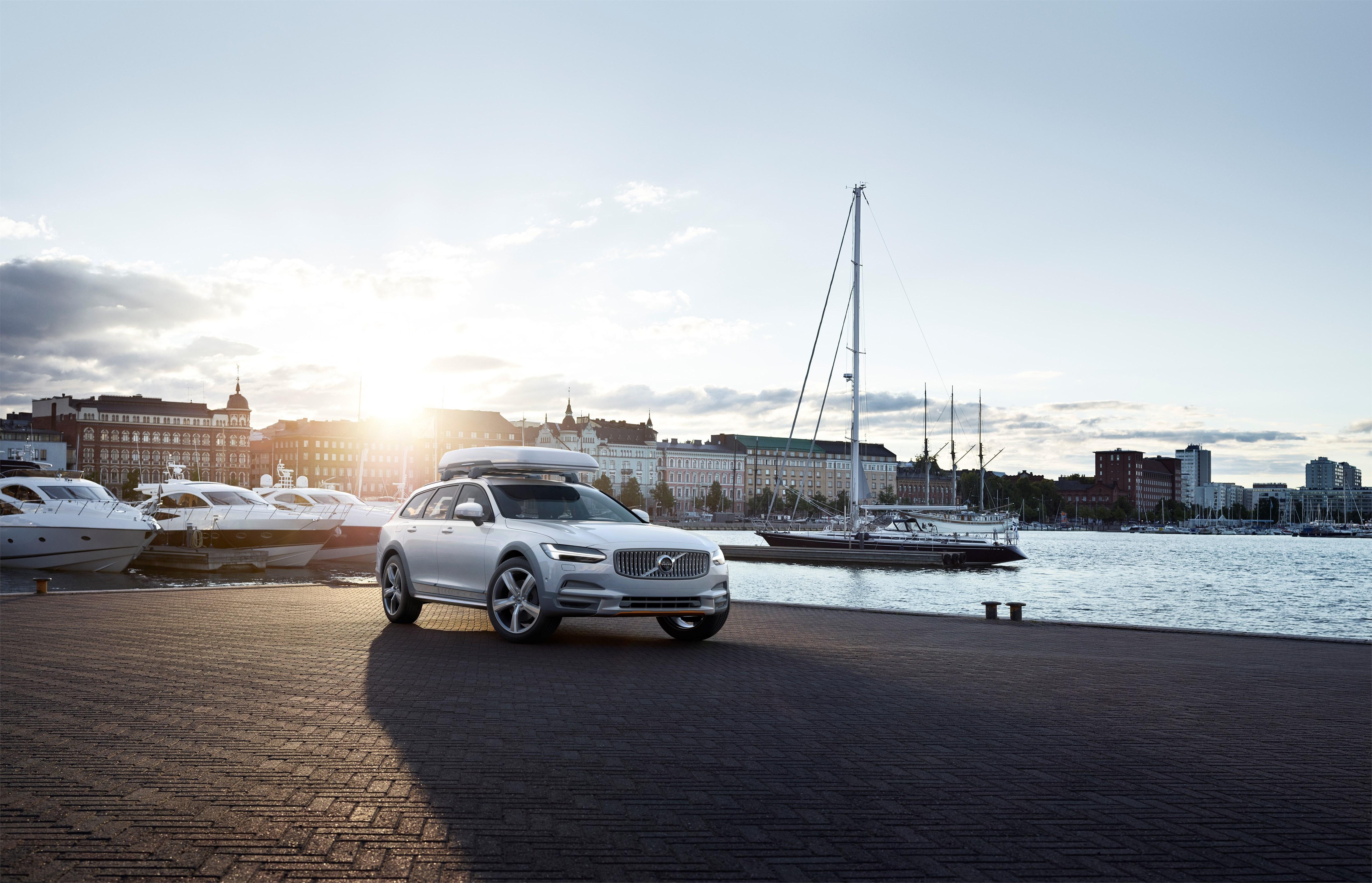Volvo Dumps Single-use Plastics