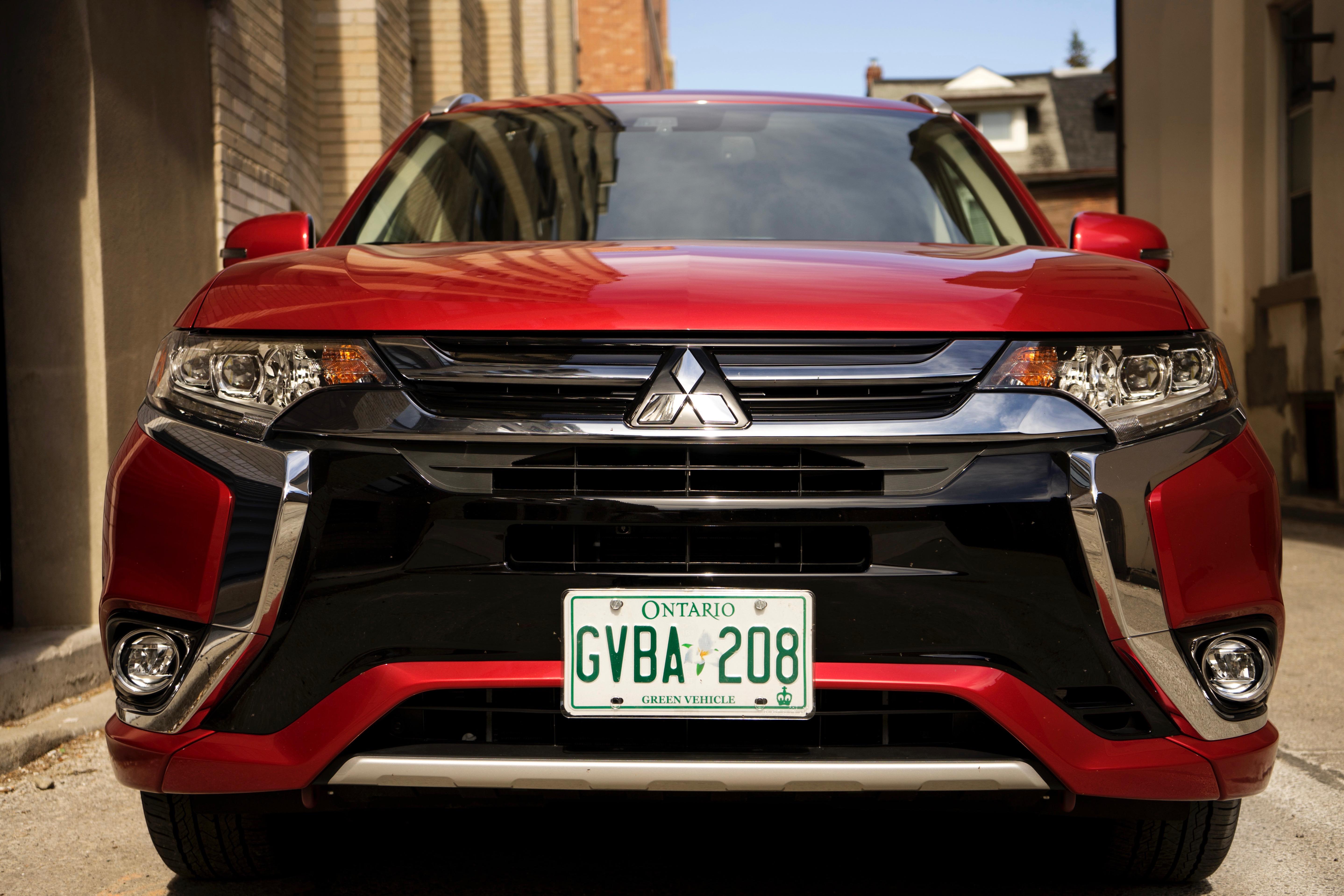 Review: 2018 Mitsubishi Outlander PHEV – WHEELS ca
