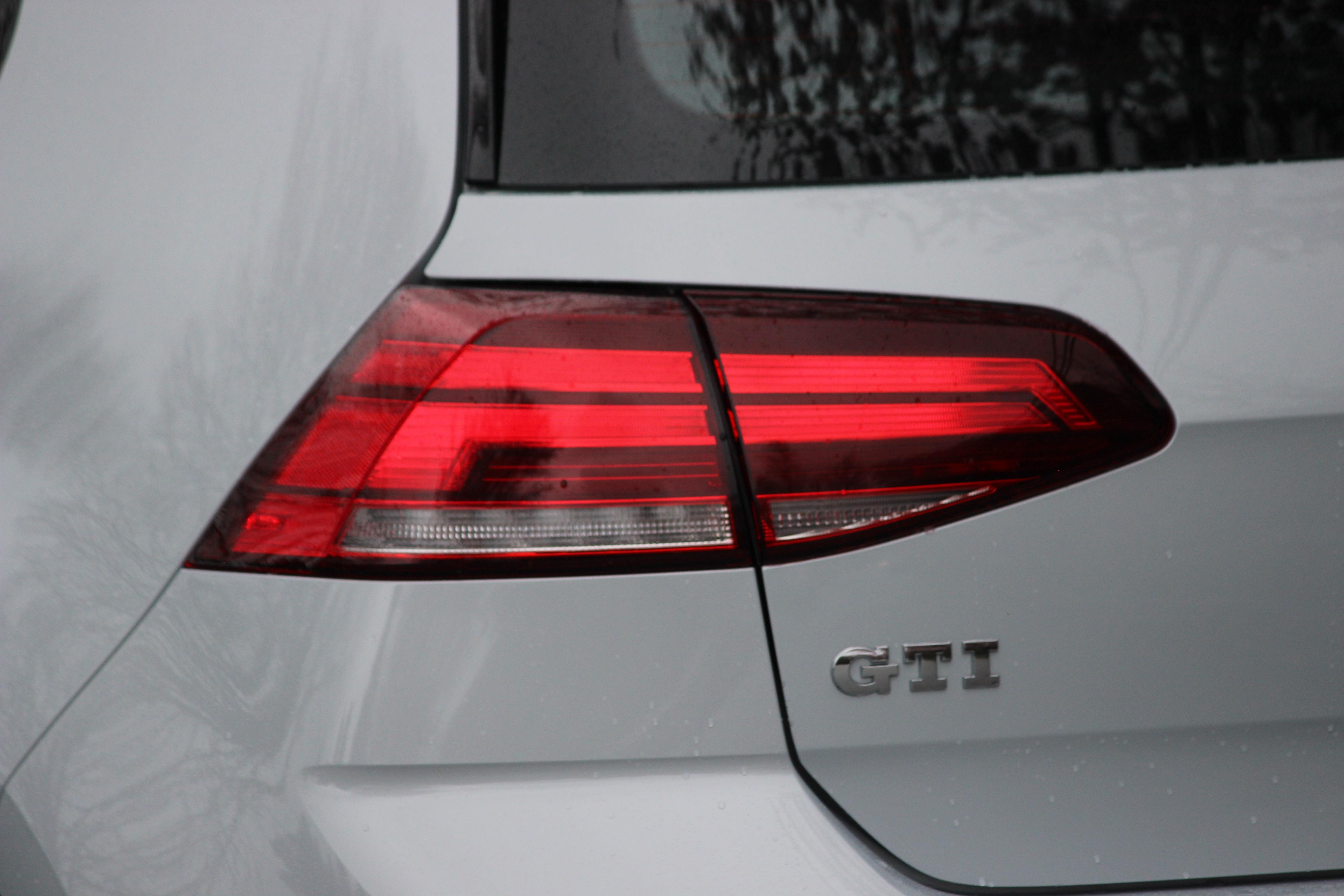 Review: 2018 Volkswagen Golf GTI – WHEELS ca