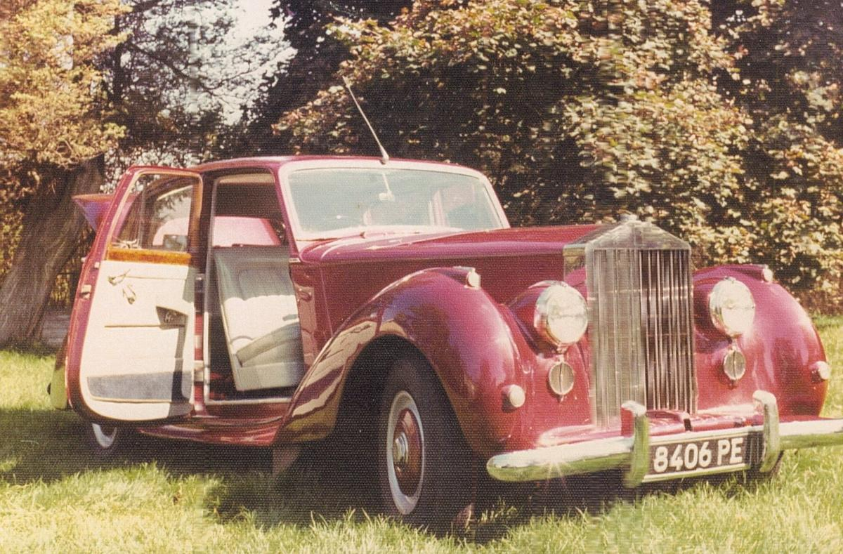 Eye Candy: 1954 Rolls-Royce Silver Dawn