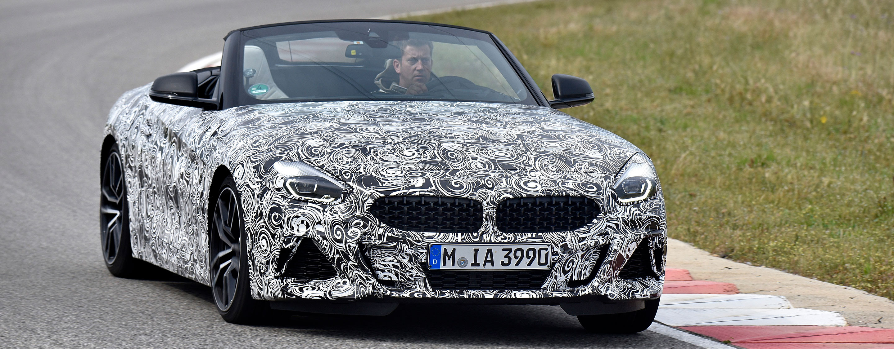 TrackWorthy - BMW Z4 (1)