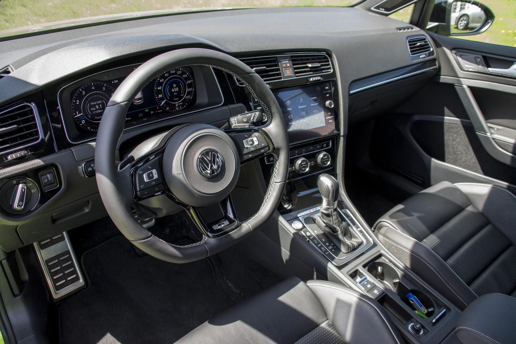 2018 Volkswagen Golf R (106)