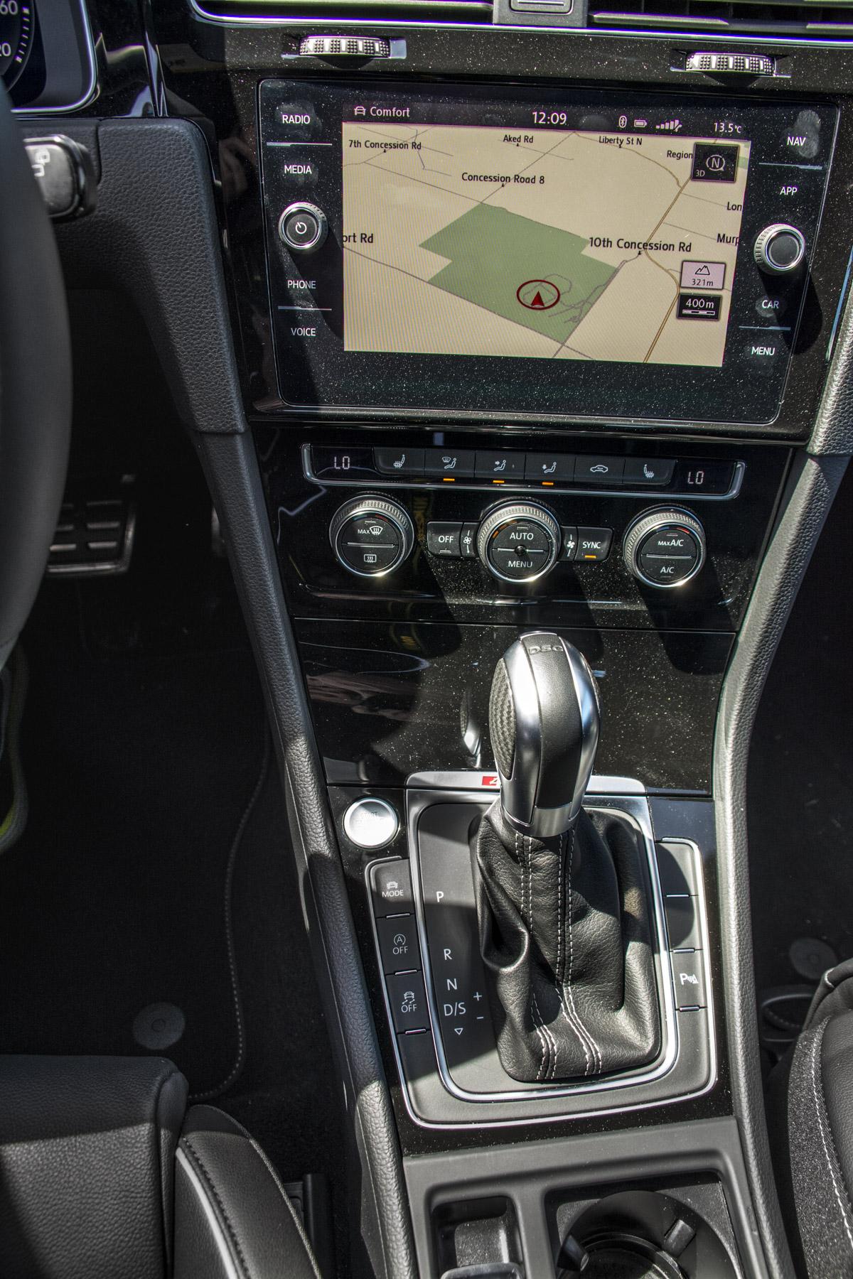 2018 Volkswagen Golf R (94)