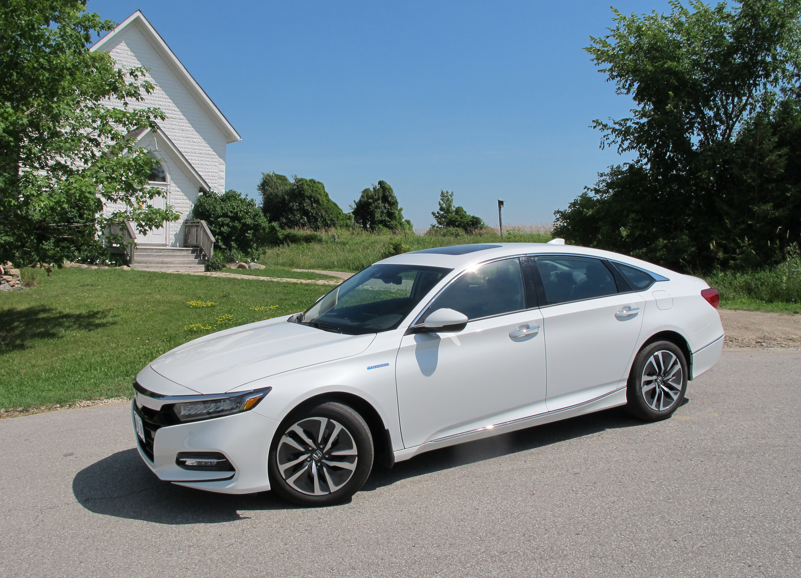 Review 2018 Honda Accord Hybrid