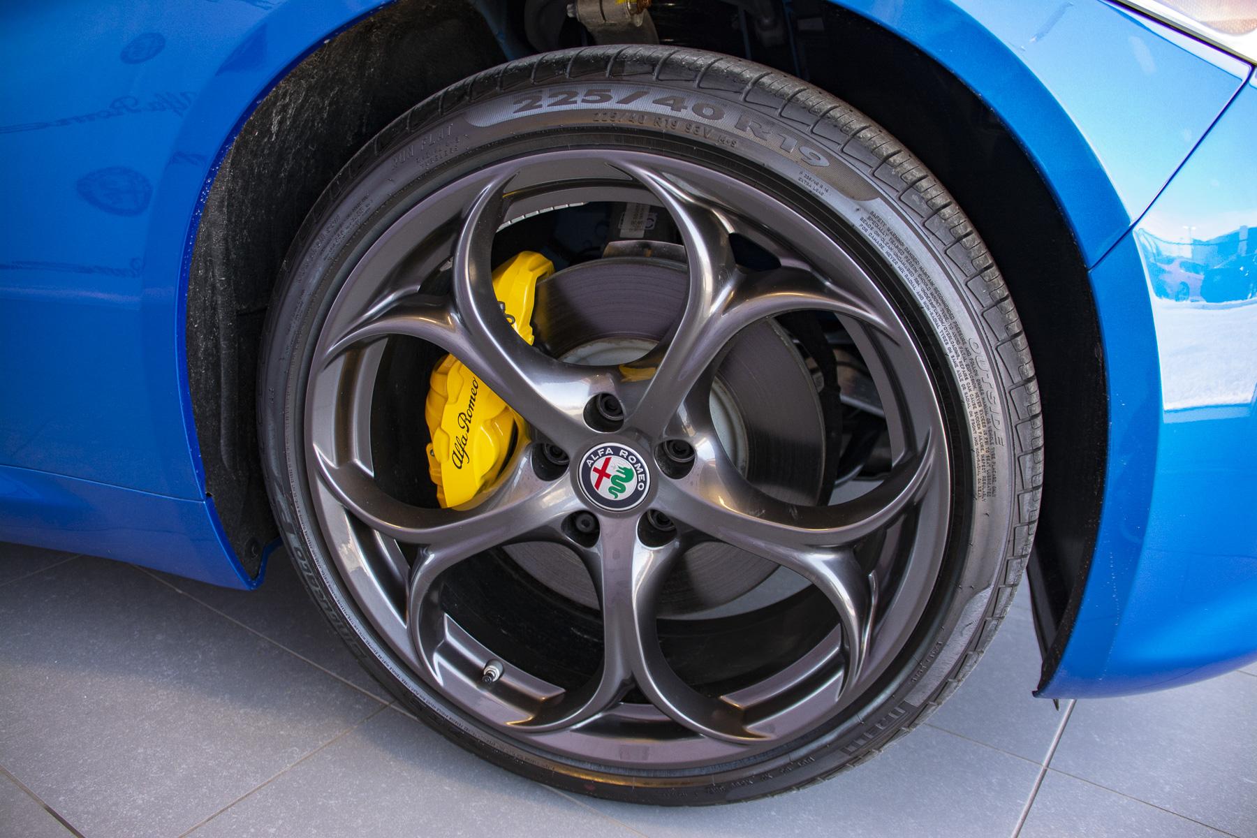 TrackWorthy - 2018 Alfa Romeo Giulia Ti Sport (20)