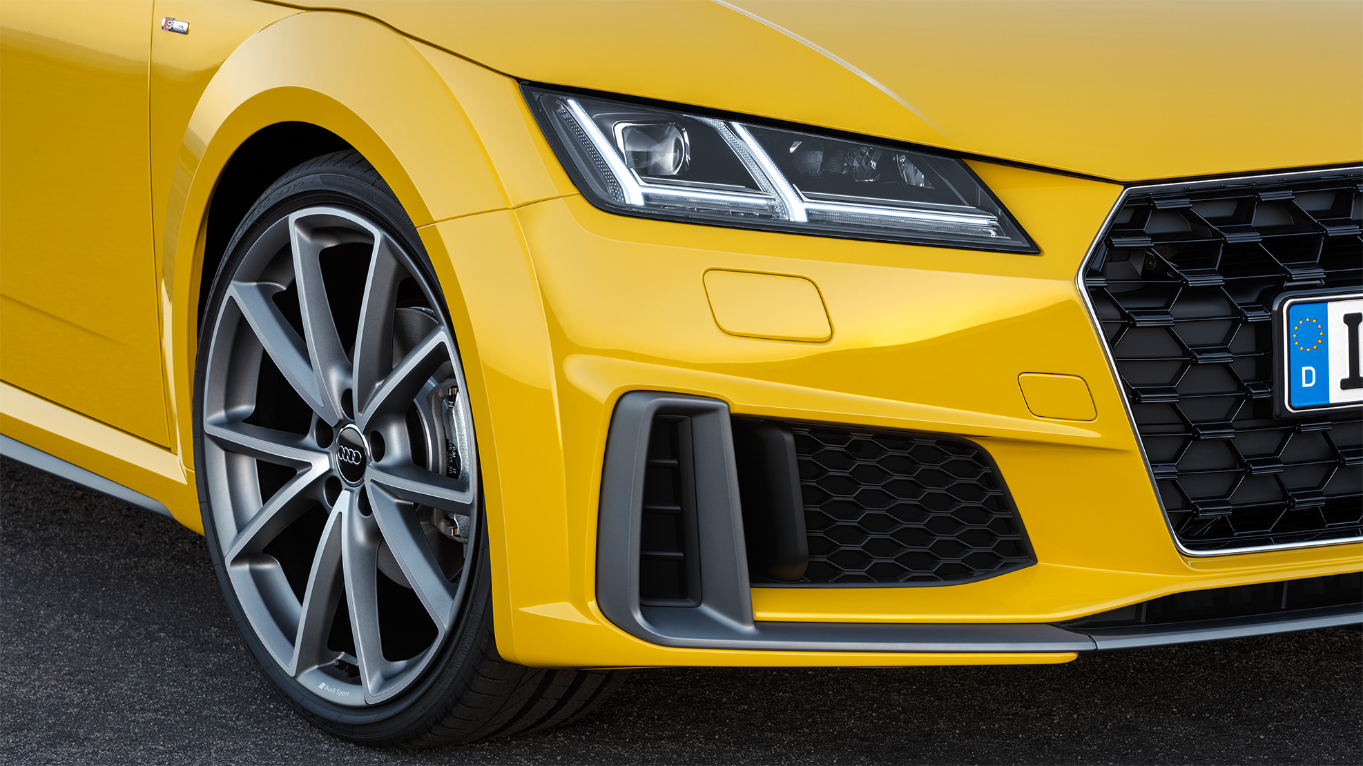 TrackWorthy - 2019 Audi TT Roadster S Line (8)