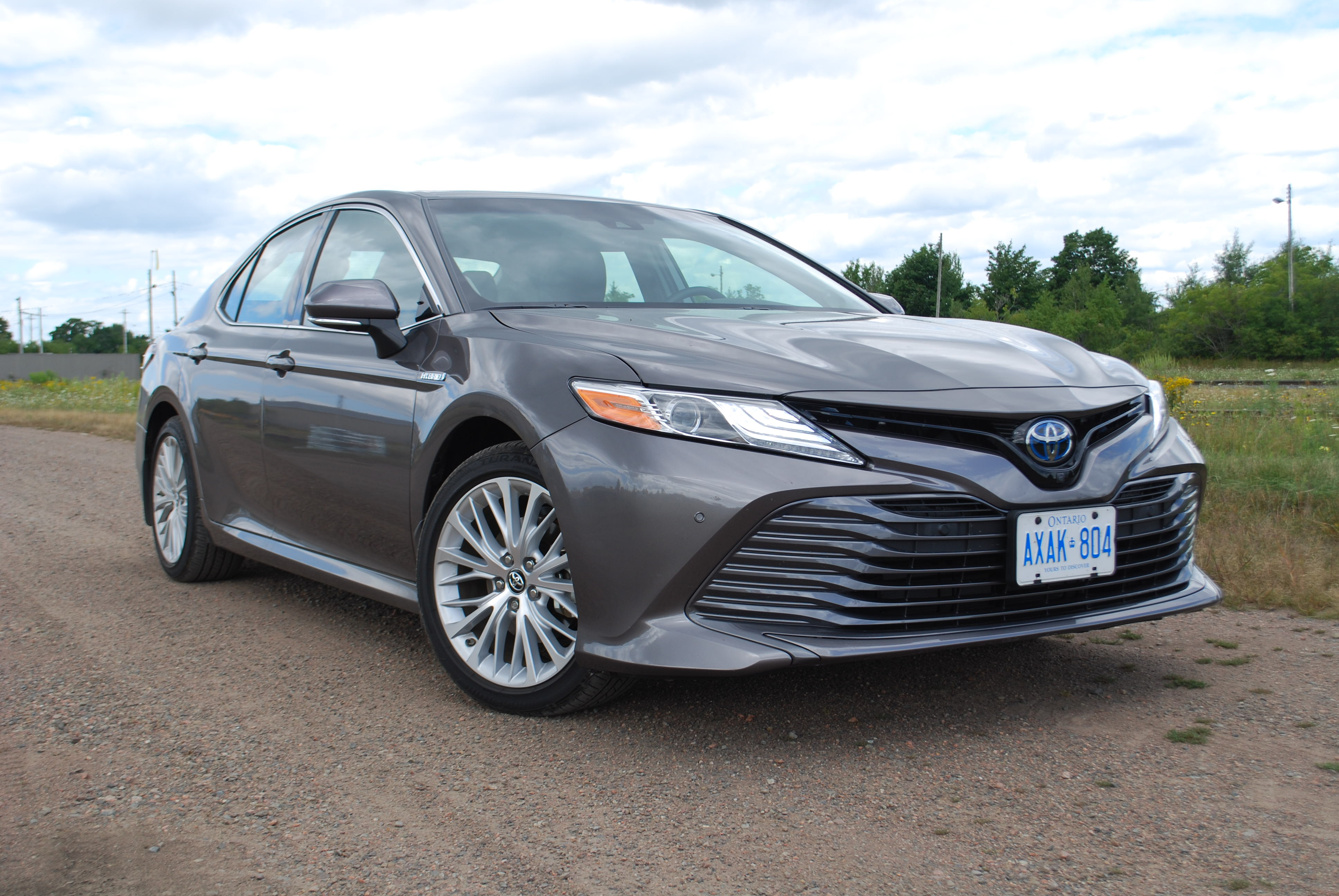 Review 2018 Toyota Camry Hybrid XLE