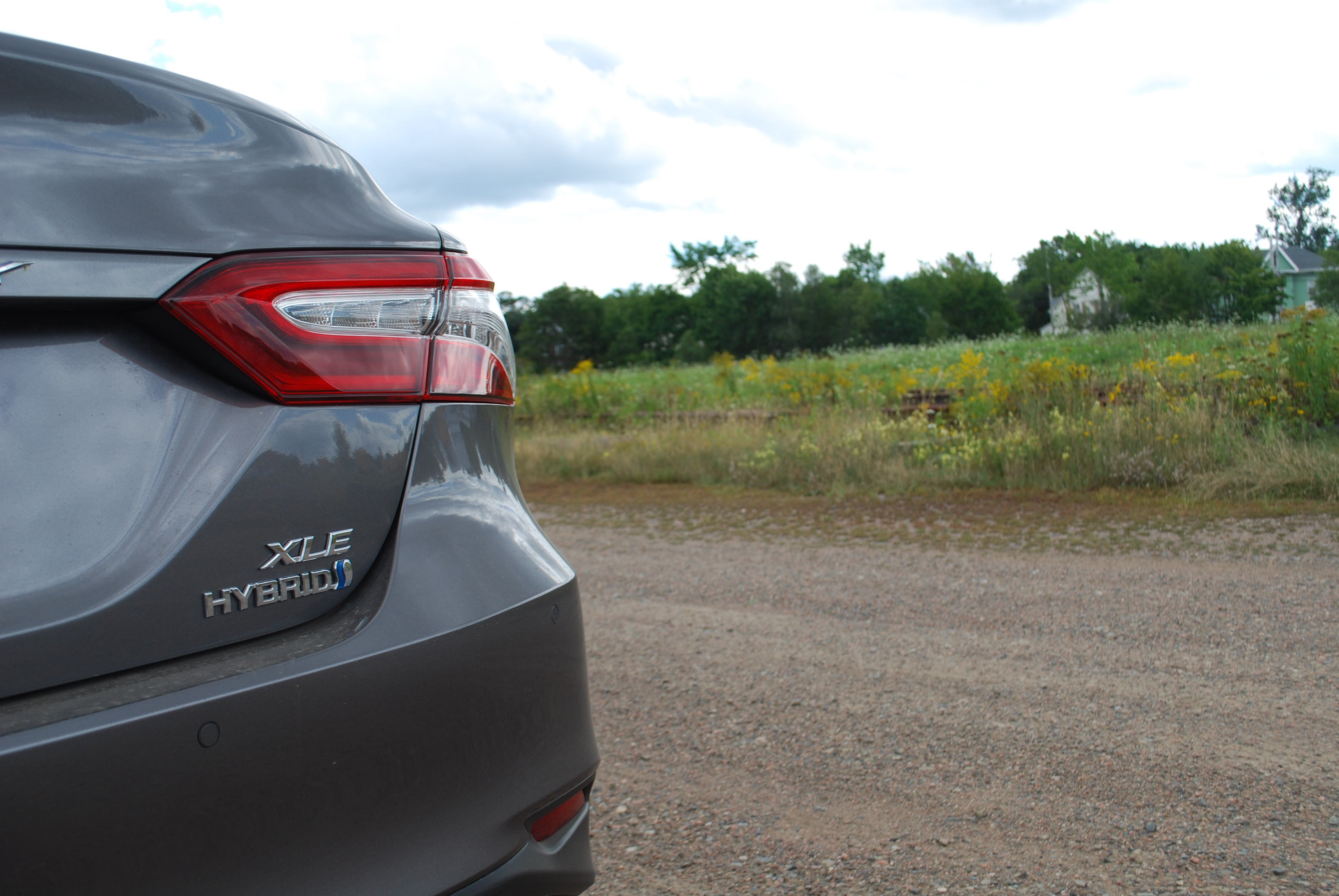 Review: 2018 Toyota Camry Hybrid XLE – WHEELS ca