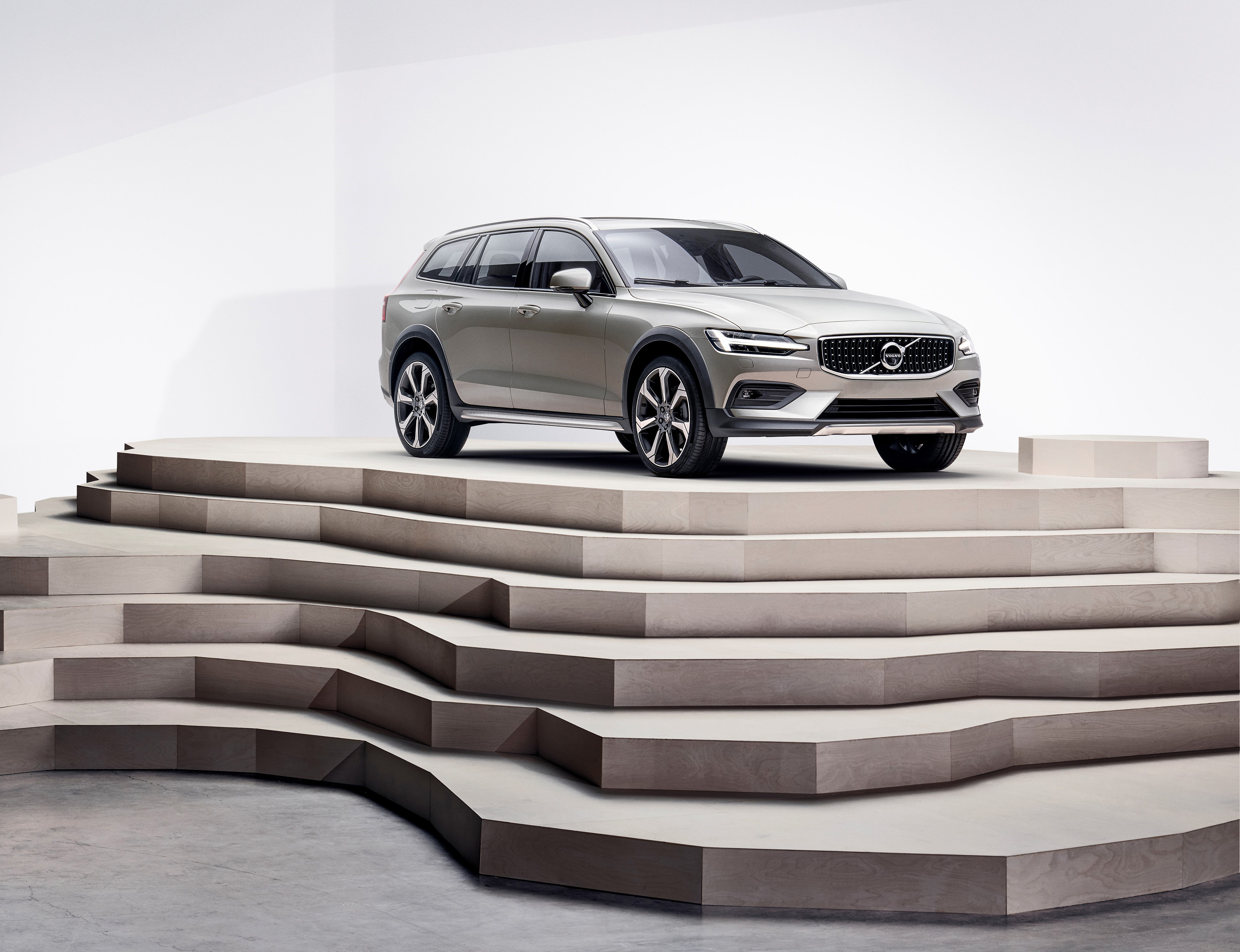 Volvo Introduces V60 Cross Country Wheels Ca