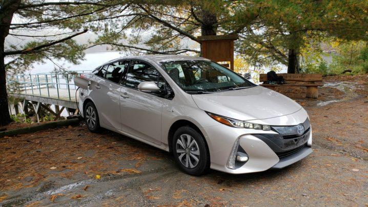 Review 2018 Toyota Prius Prime