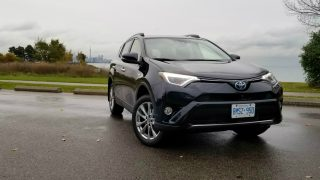 Review 2018 Toyota RAV4 Hybrid Limited