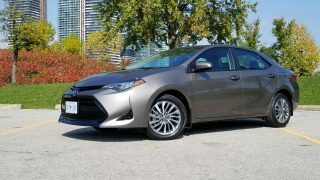 Review 2019 Toyota Corolla Sedan