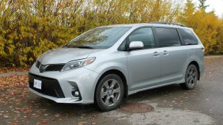 Review 2019 Toyota Sienna SE AWD