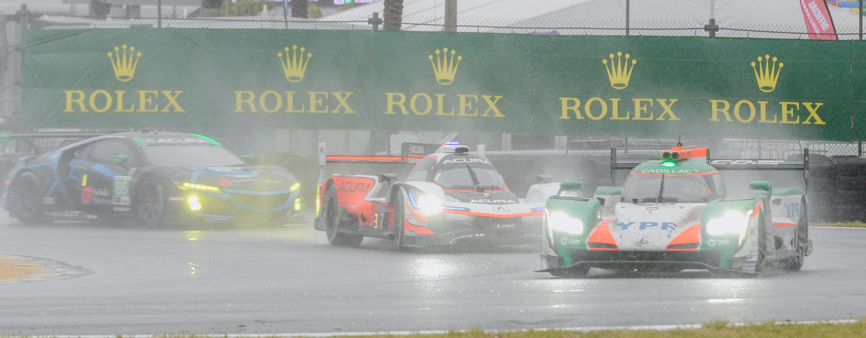 TrackWorthy - Rolex 24_race_Sunday_Horseshoe Curve-3