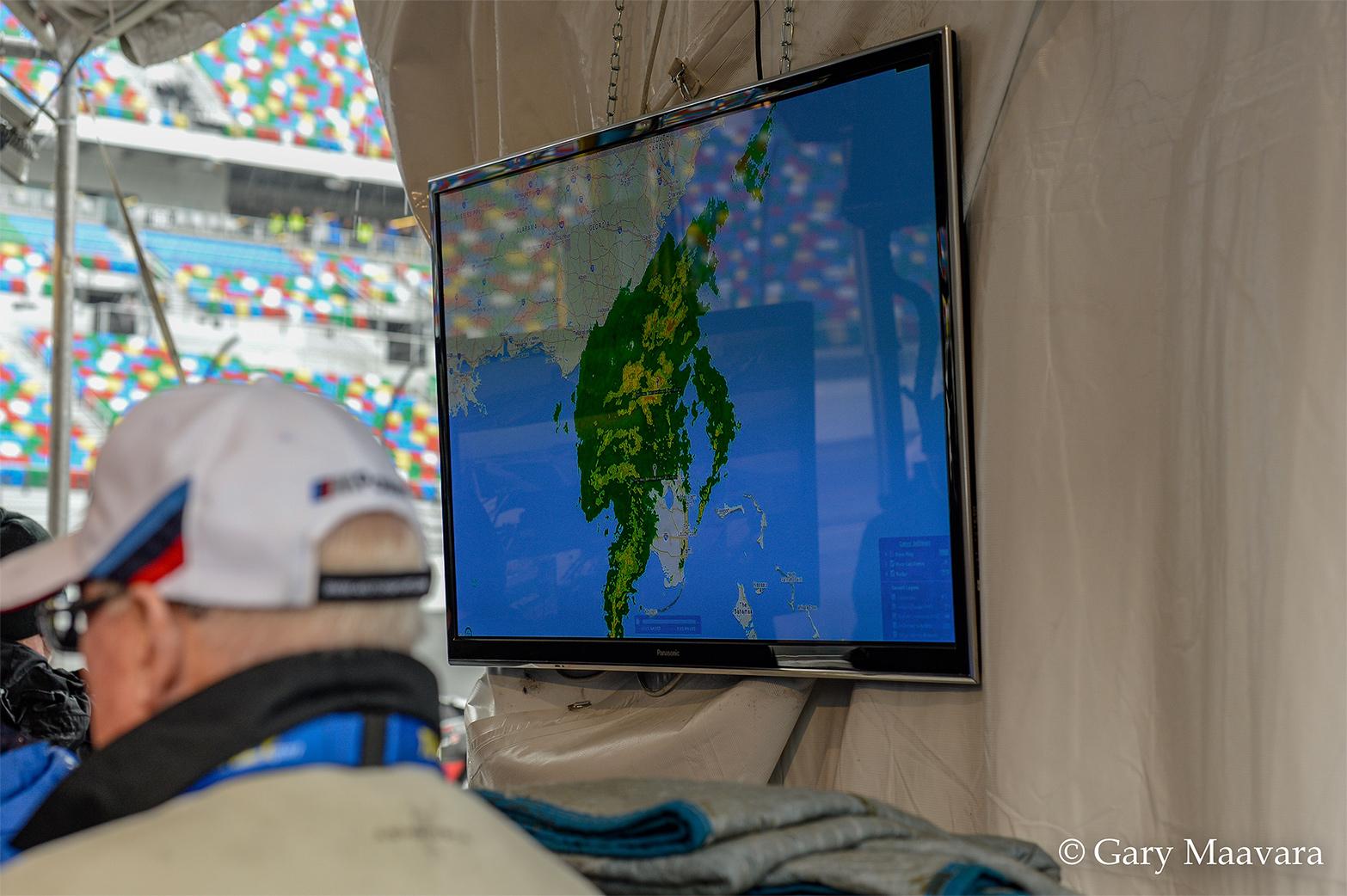 TrackWorthy - Rolex 24_race_hour 23_BMW pit radar monitor